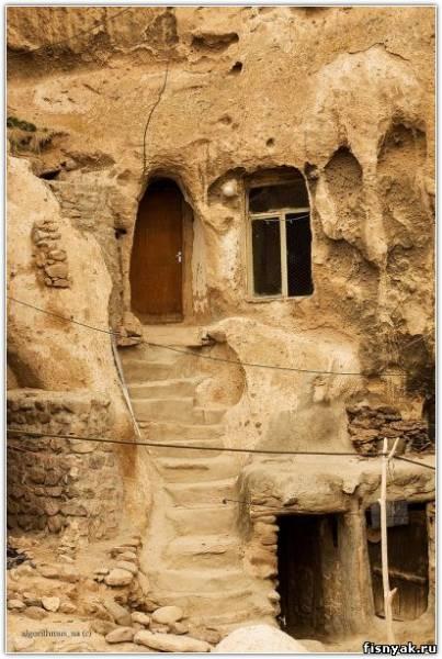 Возраст некоторых из этих скальных жилищ насчитывает до 700 лет, при этом.